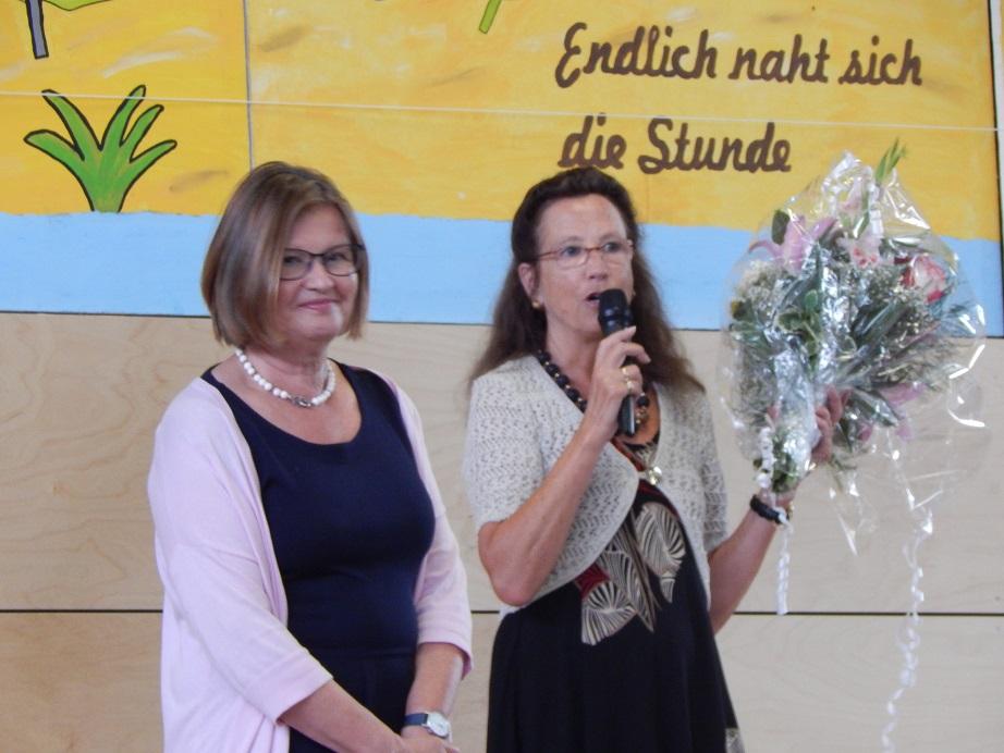 Frau Pascher und Frau Drum wurden ebenso feierlich in den Ruhestand verabschiedet