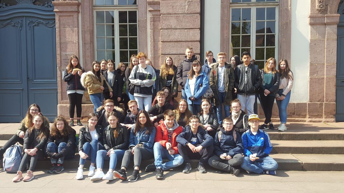 Ausflug der Französischklassen 7, 8, 9 und 10 ins Elsass nach Colmar  am Freitag, dem 12. April 2019